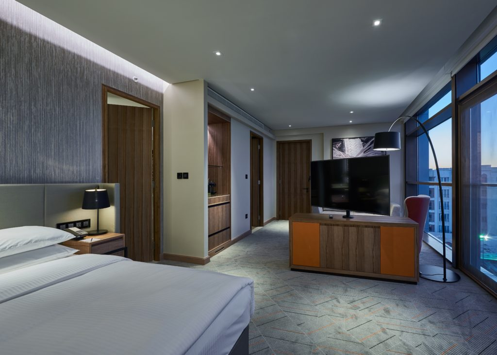 Designing mid market or luxury hotels what s the for Hotel designer